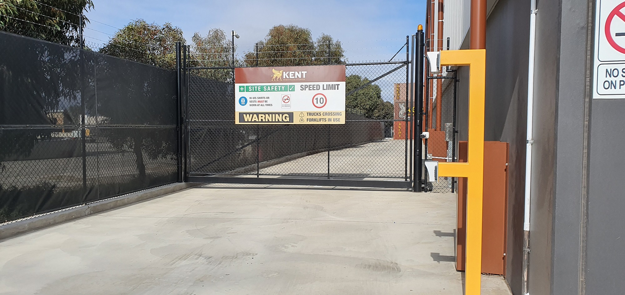 Commercial Fencing Adelaide Fence Centre Chain Mesh Security Fence Wingfield