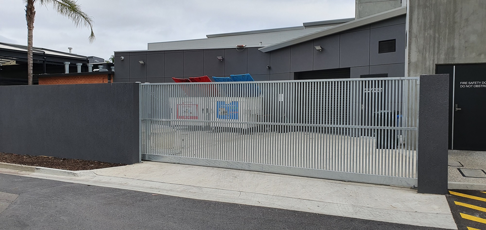Commercial Fencing Adelaide Fence Centre Hotel Storage Closure Fencing 7