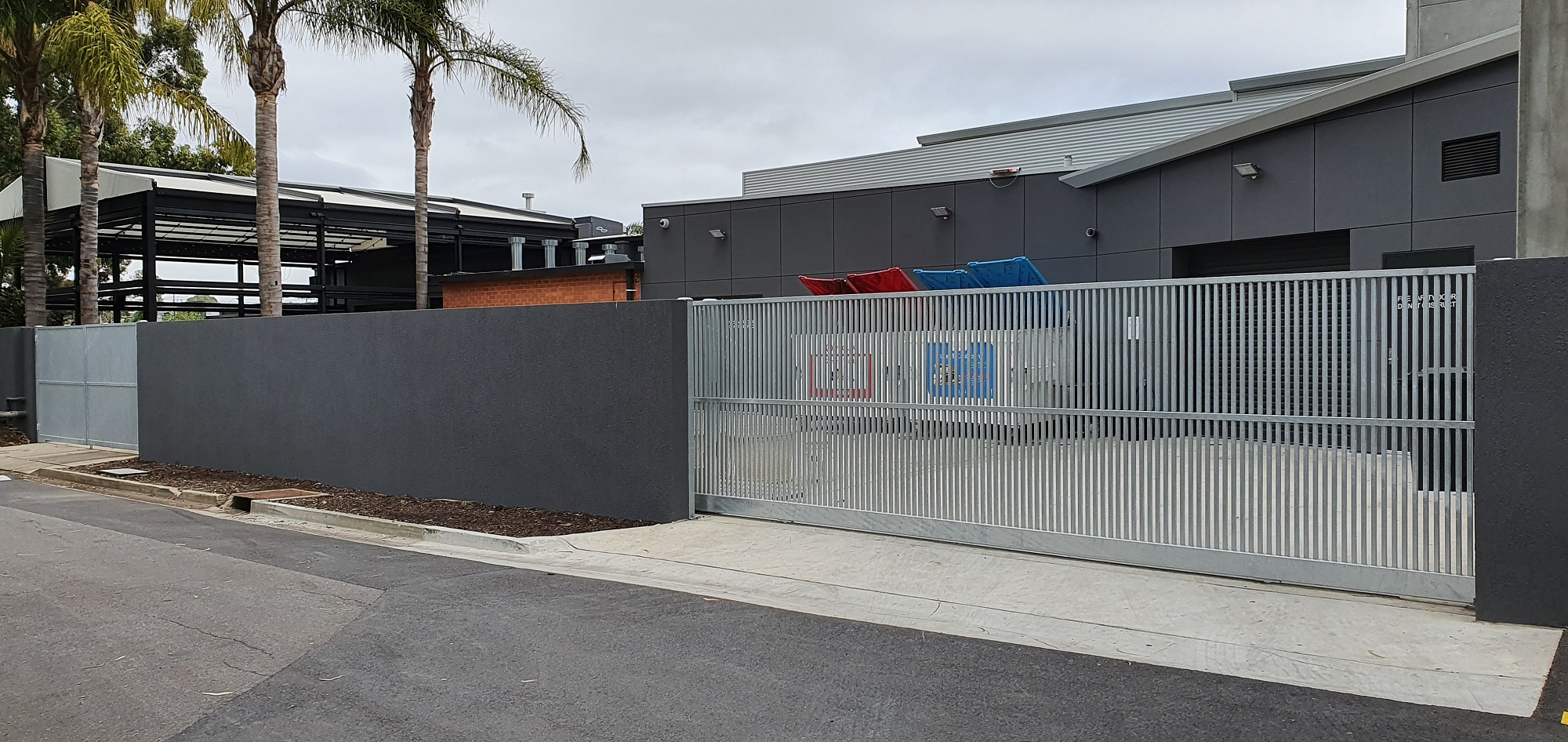 Commercial Fencing Adelaide Fence Centre Hotel Storage Closure Fencing 8