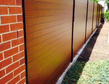 Knotwood Slat fence