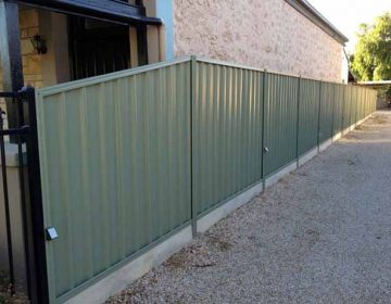 Sheet Fencing with Under Fence Plinth