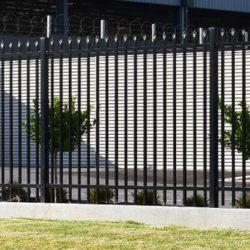 Should I Buy Aluminium or Steel Fencing?